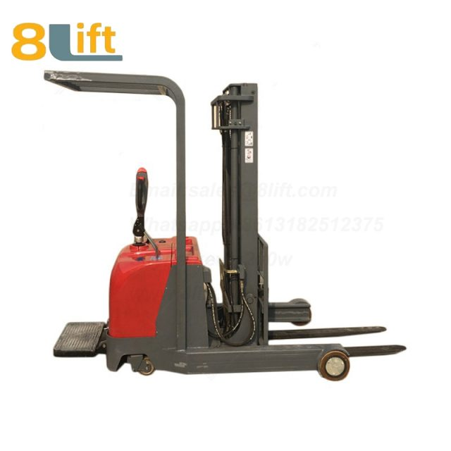 Hydraulic forward reach stand standing on driving full Electric stacker-1-1